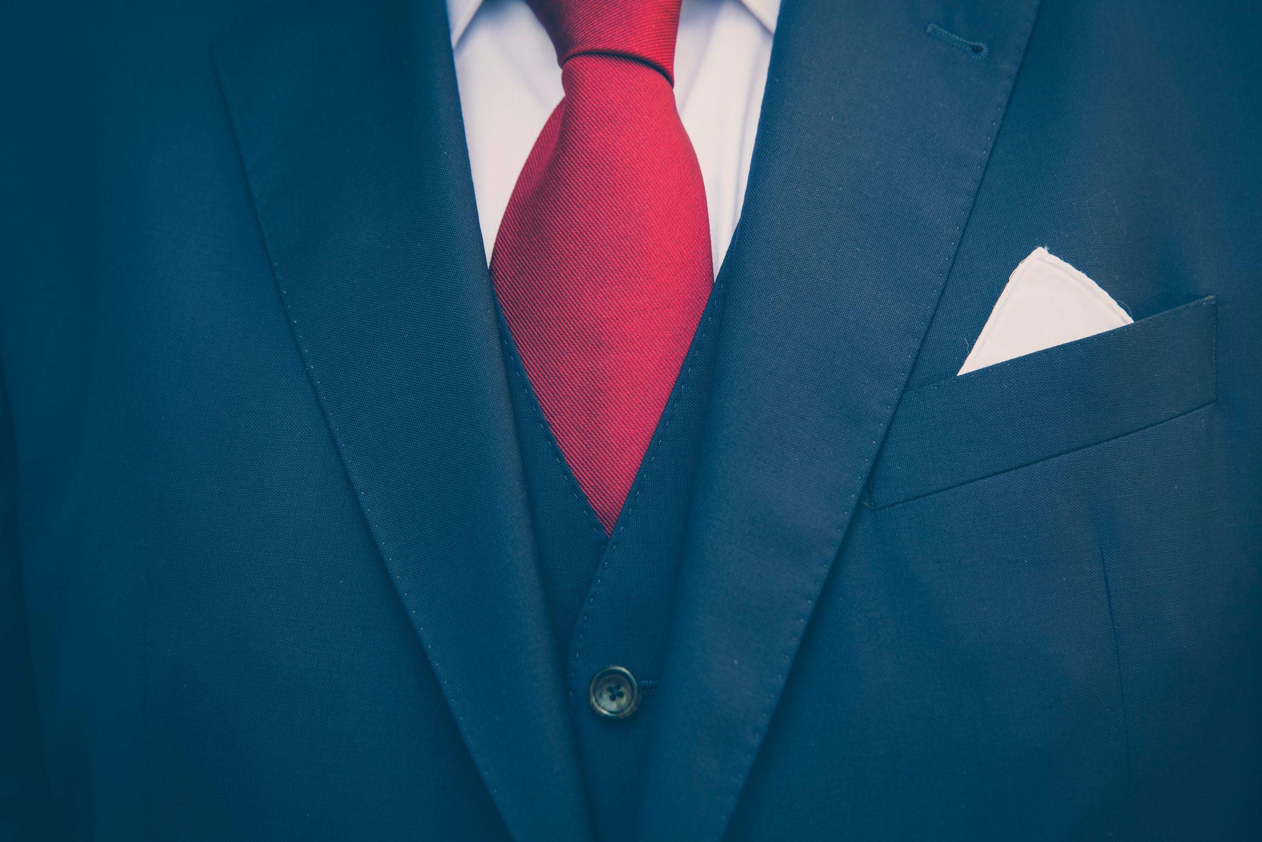 スーツの男性、ビジネスマン